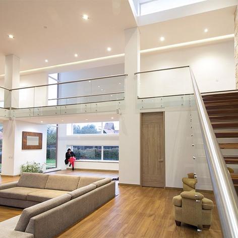 Diseño y construcción Casa Chía Sala y escaleras
