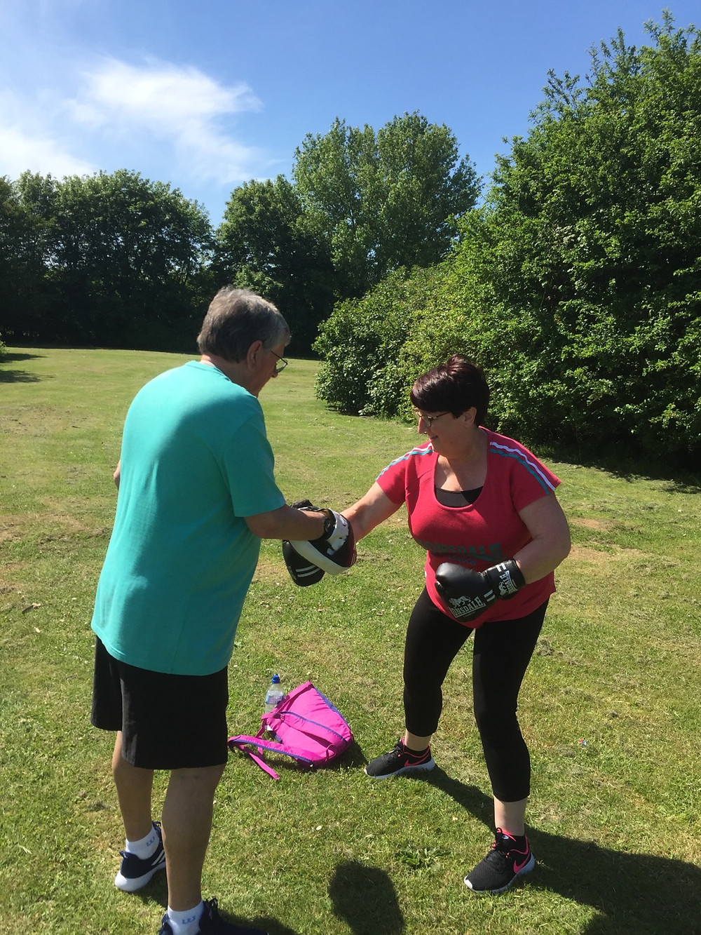 sparring, boxing, boxercise in the park
