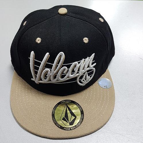 Бейсболка новая; кепка Volcom