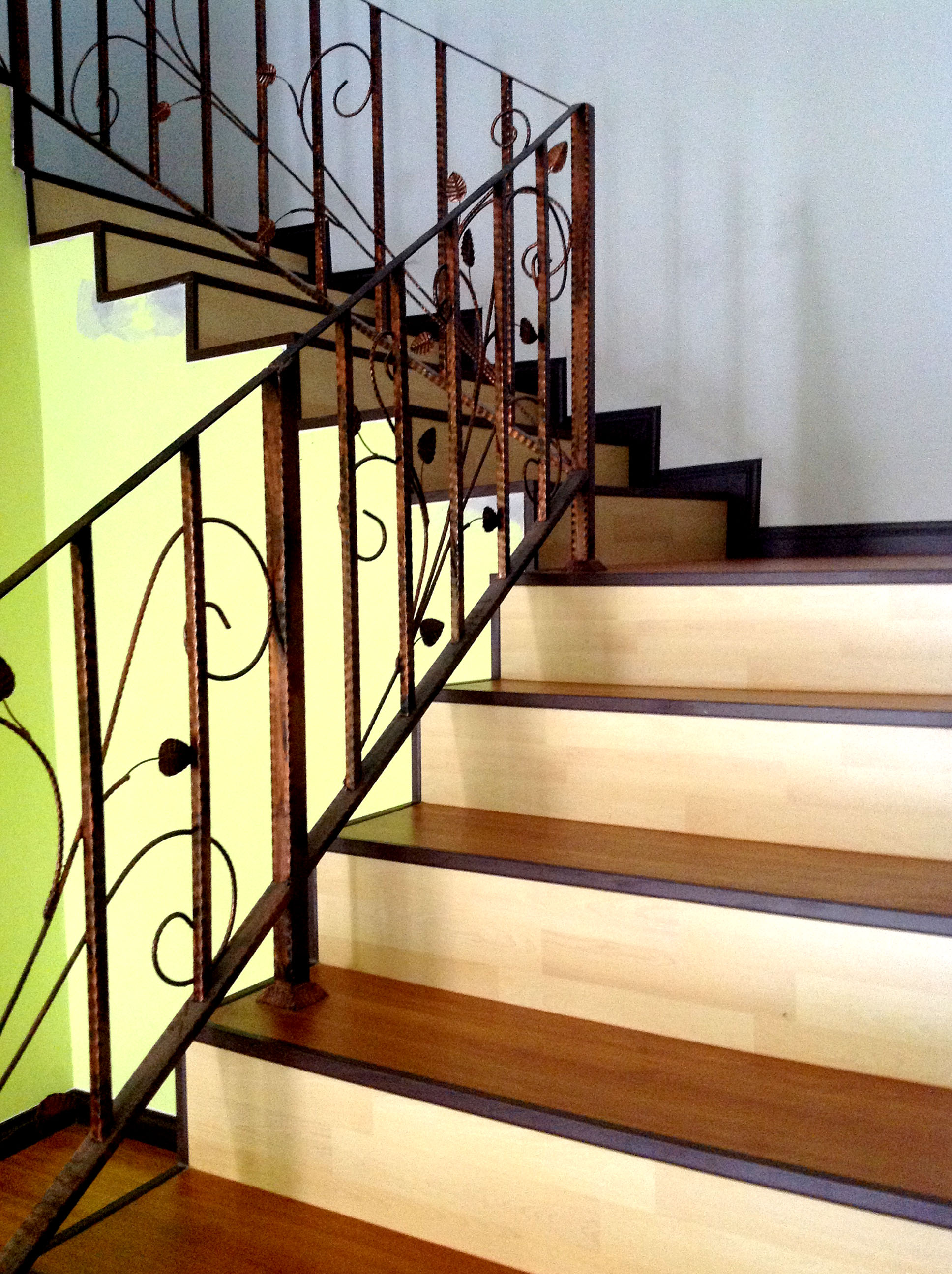 Mix Color 8mm Laminate Floor Steps
