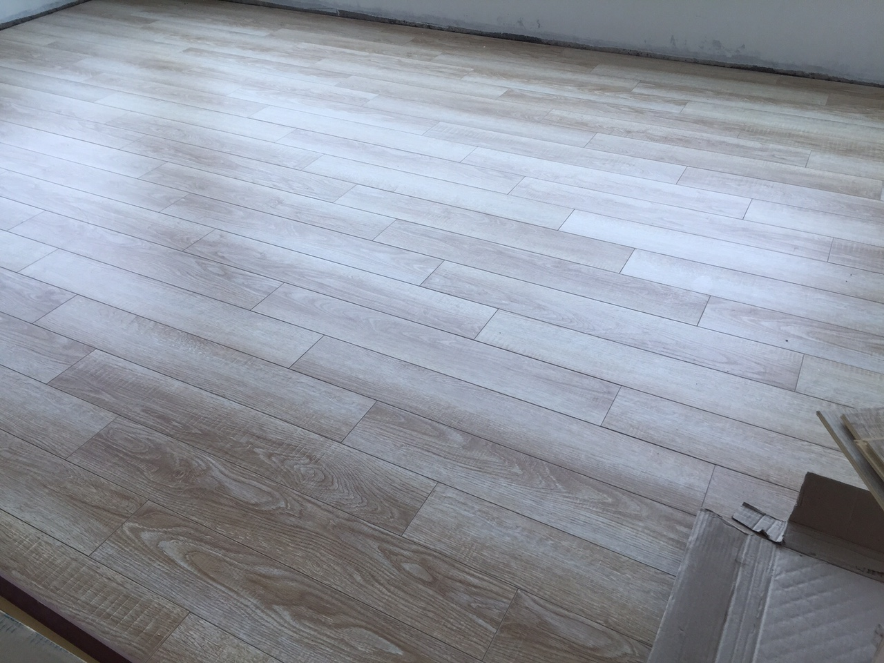 Waterproof 12mm Laminate Flooring
