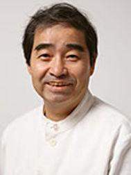 栂安秀樹先生のご指導をいただいています。