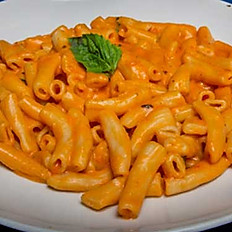 Rigatoni With red Vodka Sauce
