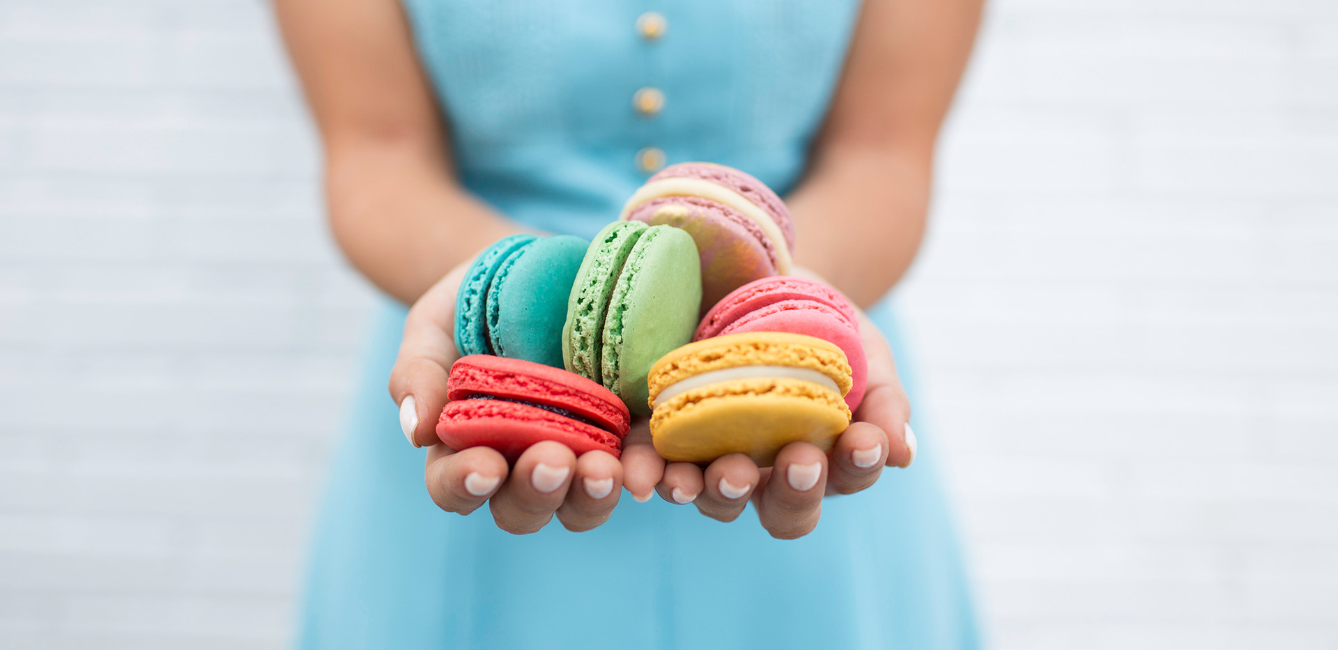 Delishes Macarons.jpg
