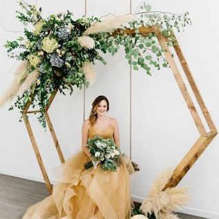 Floral hexagon bridal swing