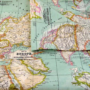 Table cloth with world map design