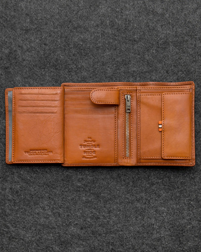 71282a26e1b6 Tumble and Hide Tan Tudor Leather Traditional Large Capacity Wallet 2011  TDR 4