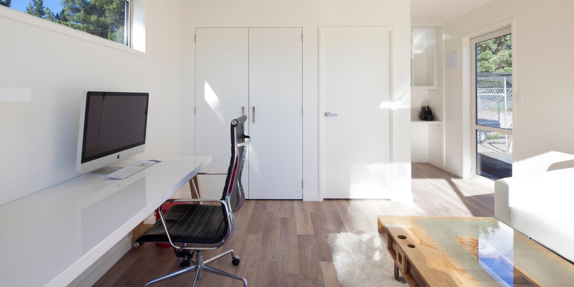 Modbox Glenda Drive office 004.jpg
