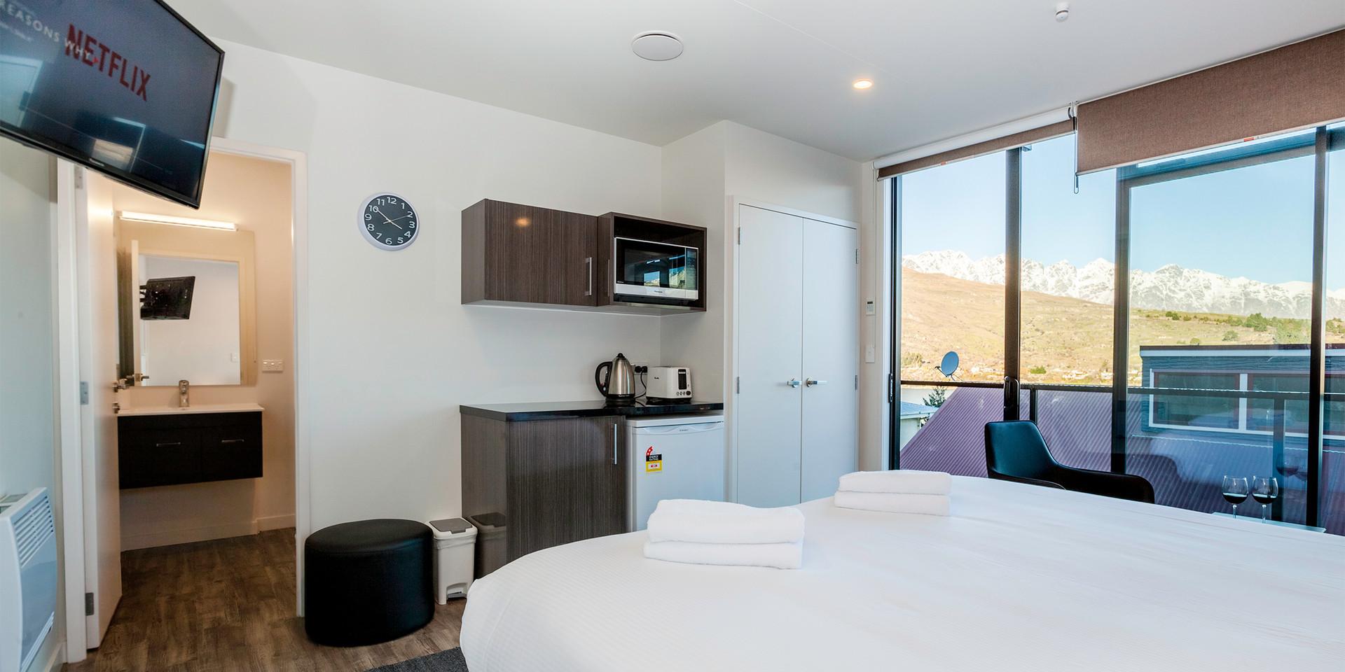 Interior bedroom, kitchenette