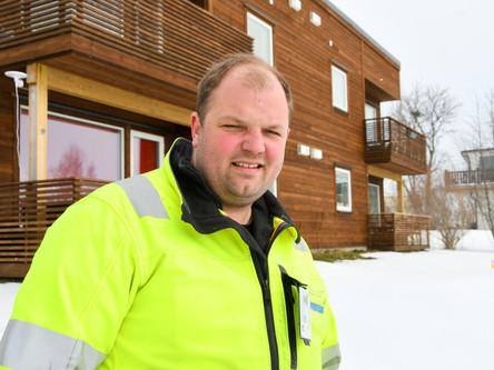 Tilbyr hus til «halv pris» i Karlsøy
