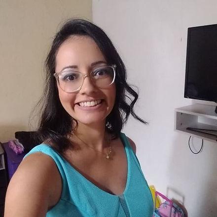 """""""Sou Patricia, tenho 34 anos. Nasci na cidade de Osasco, SP atualmente moro em Guarulhos, SP. Formada em Ciência da Computação ao longo do tempo trabalhando com adolescentes na igreja descobri que amo a juventude e o ensino. Hoje estou cursando Letras que se tornou minha paixão. Amo conhecer pessoas e suas histórias de vida. Compartilhar a vida é algo que me agrada muito."""""""