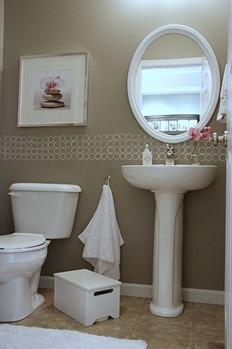 Banheiro com pia de coluna. Fonte: casacasada.com.br