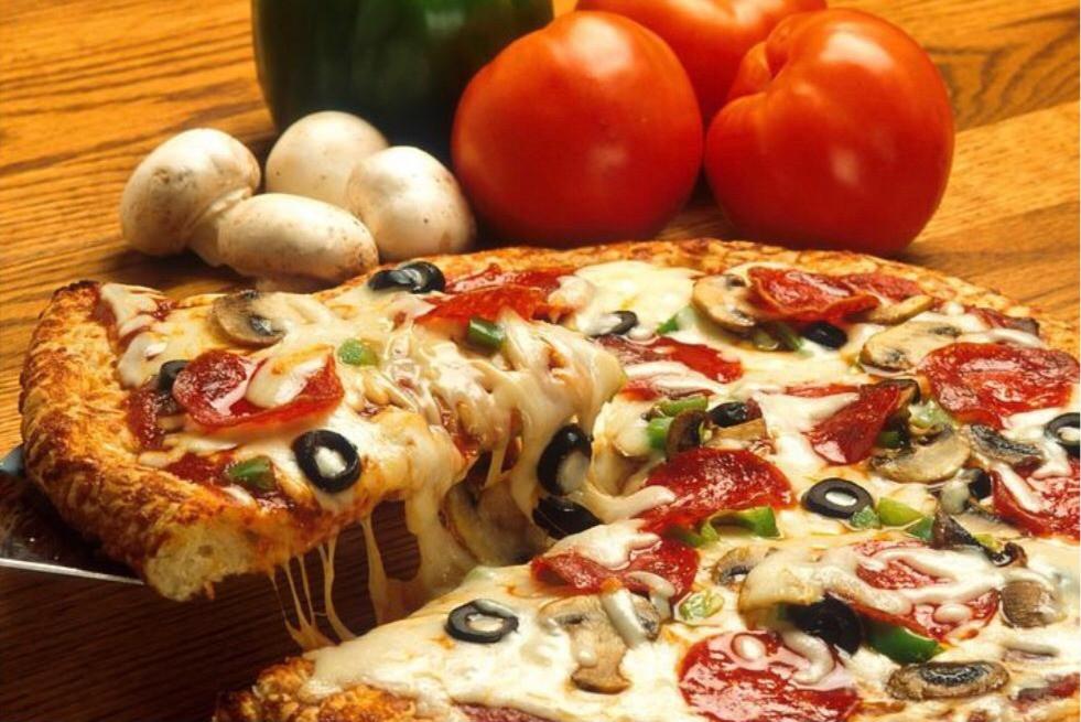 Pizza%20de%20Vegetales_edited.jpg