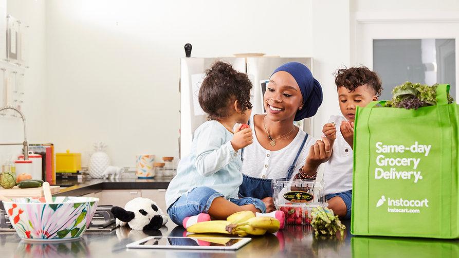 mom_kids_enjoying_groceries.jpg