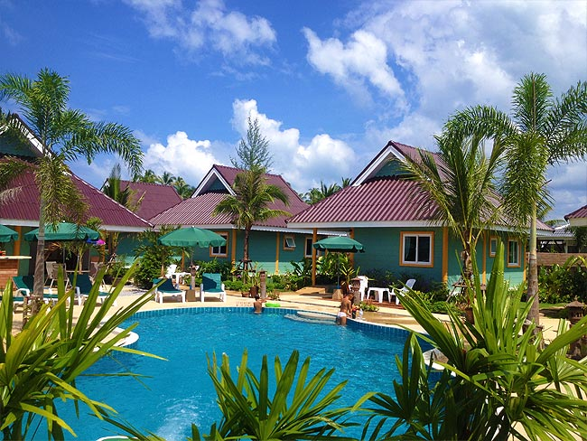 Coconut Homes Garten und Pool
