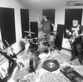 Wrong ensayando en Recording Box.png