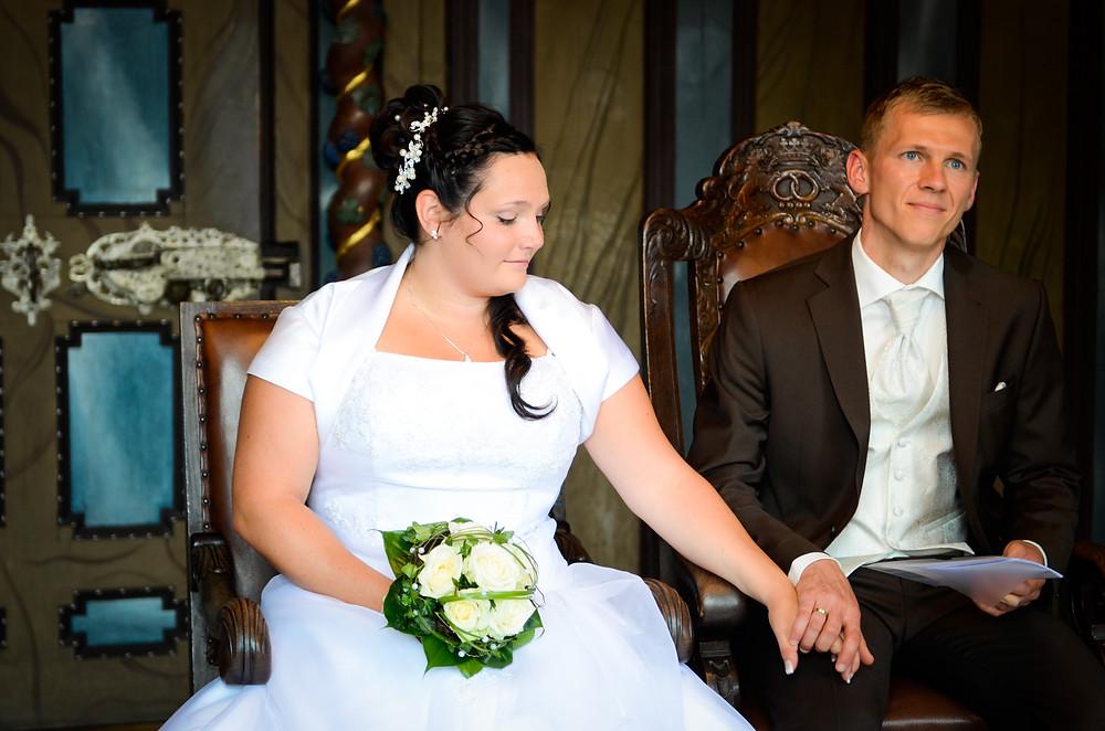 Braut und Bräutigam im Standesamt Jena