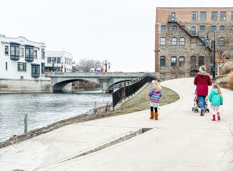 Families on the Fox Does...  Downtown Aurora, Illinois