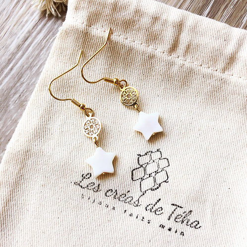 Boucles d'oreilles plaqué or et breloque étoile en nacre