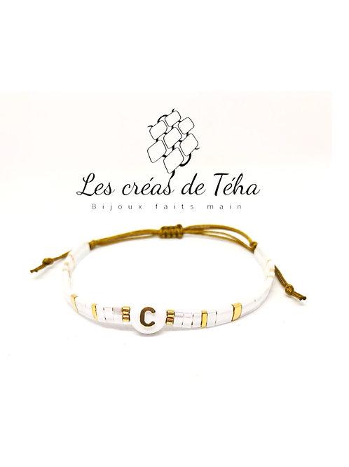 Bracelet personnalisable perle lettre doré
