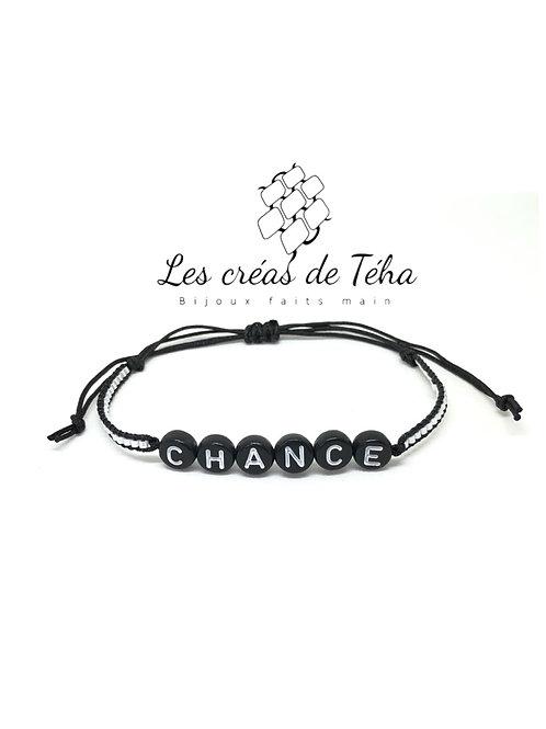 Bracelet personnalisable noir et blanc perles lettres