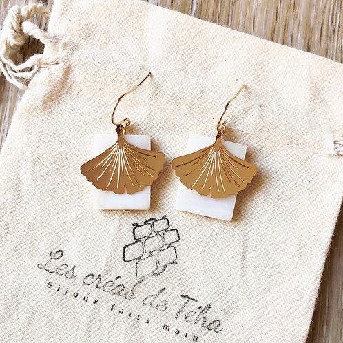 Boucles d'oreilles modèle Ginko en gold filled, nacre et  plaqué or