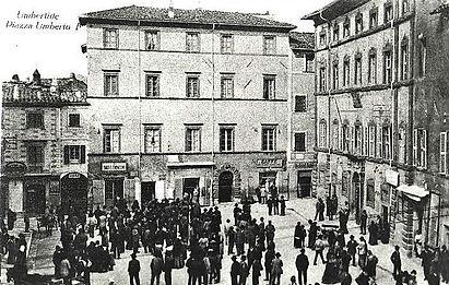 Piazza Umberto I - 1918.jpg
