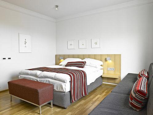 HN room2.jpg