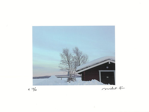 かくたみほさんポスター(A4)冬のフィンランド、湖畔にて。