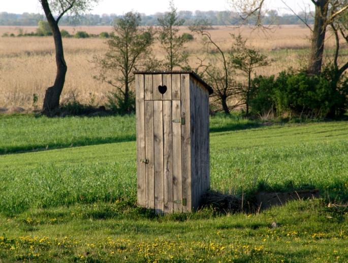 OuthouseKlangkultStock.jpg