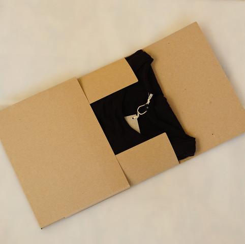 Shirt box plain