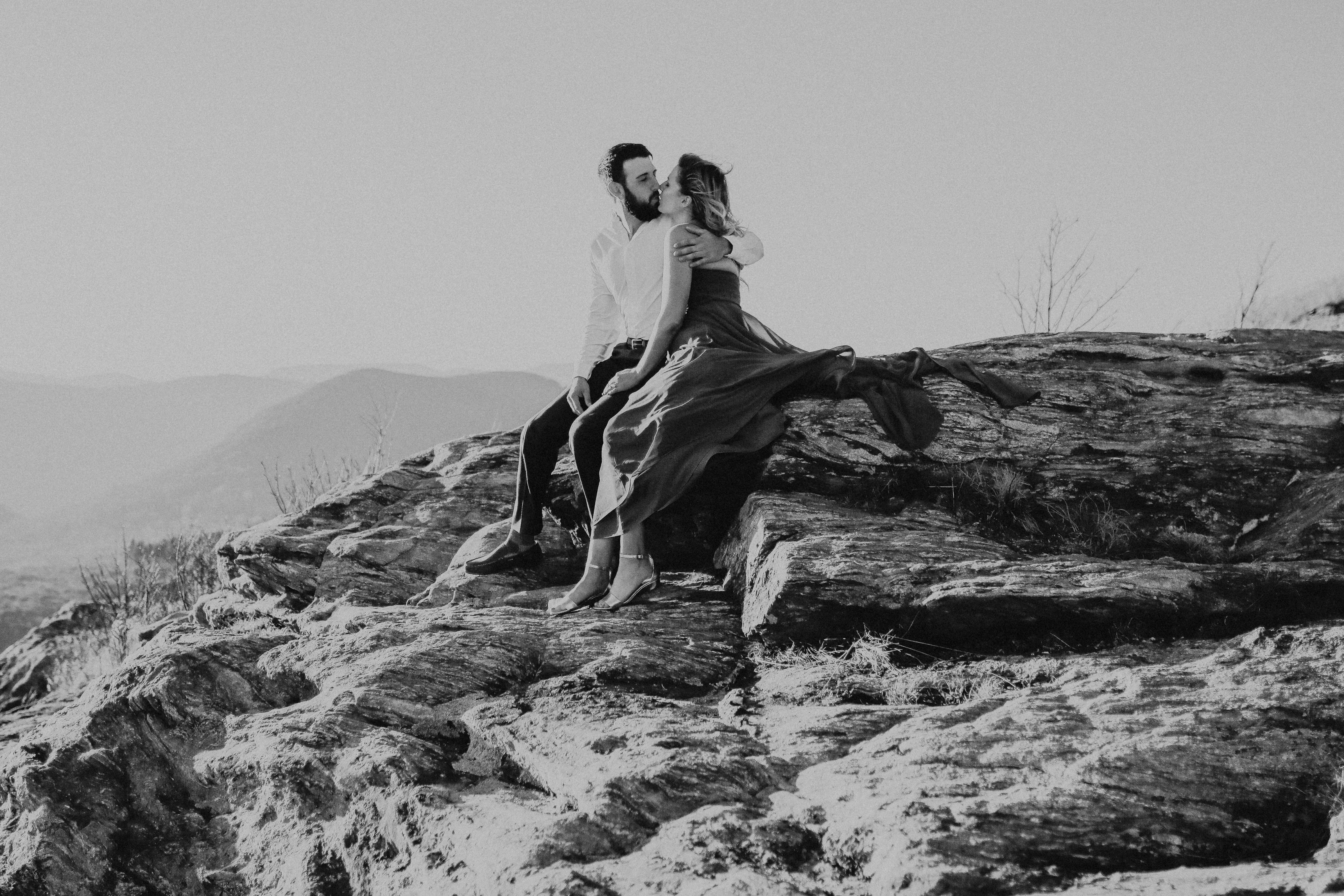 hiking engagement photographer