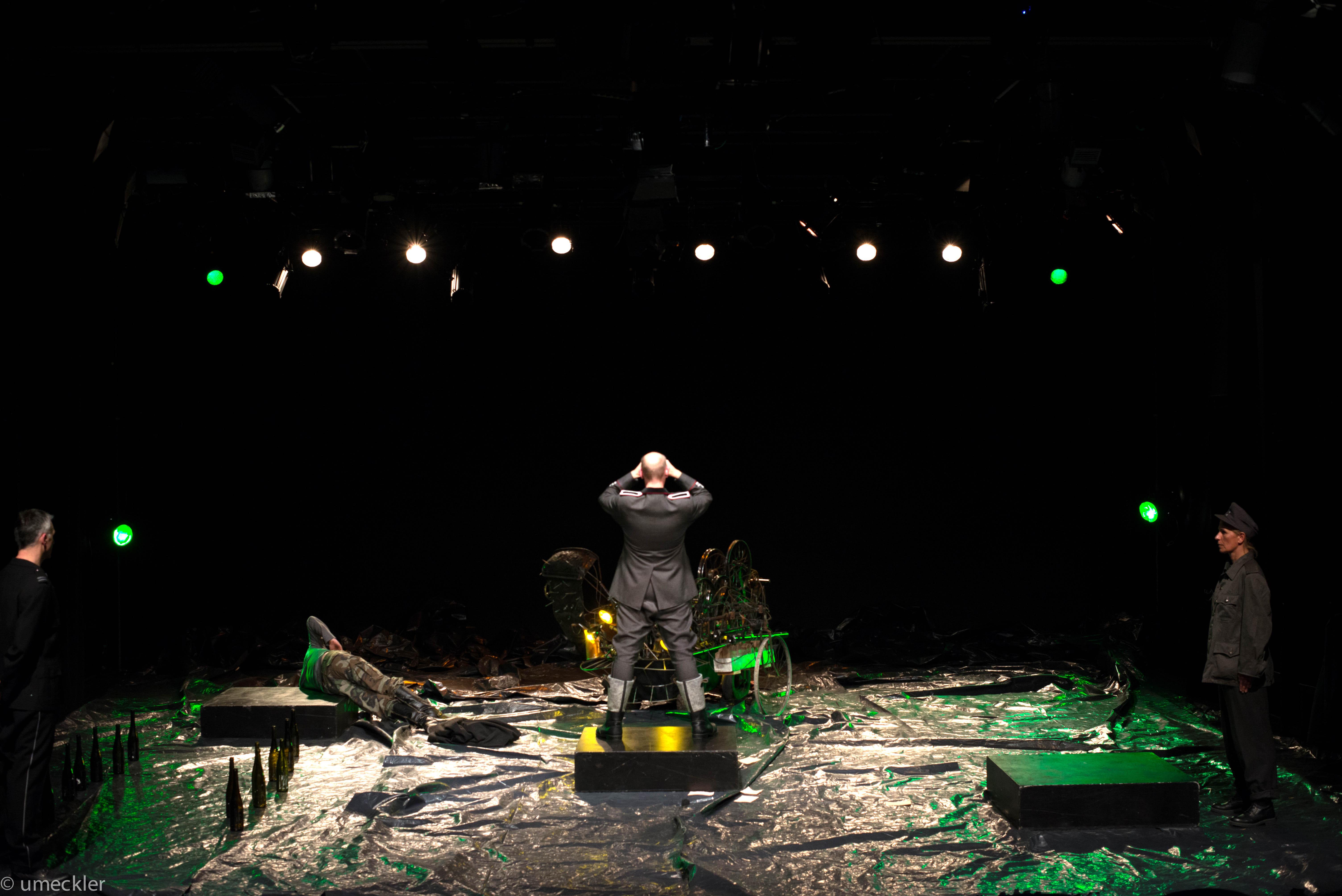 Bühne II-1