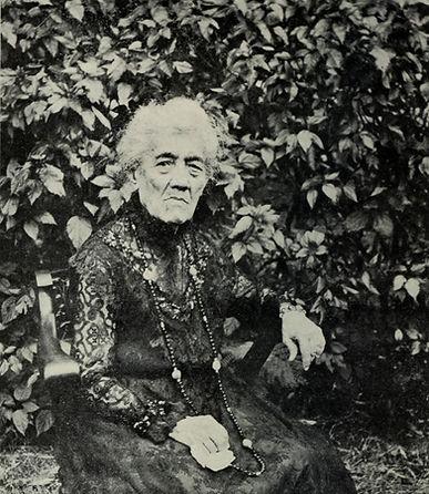 Elizabeth_Kekaaniau_Pratt,_1920_edited.jpg