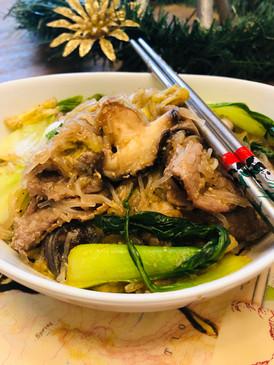 Pad Woon Sen (Thai Stir-Fried Glass Noodle)