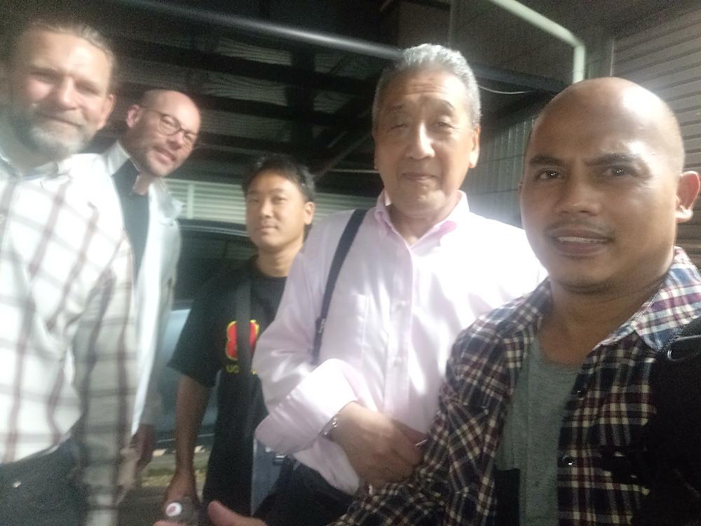 With Shuseki Shihan Sakagami and Ryukyu Kobudo Kongo-ryu members at the front of the headquarters dojo