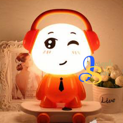 Winky Table Lamp