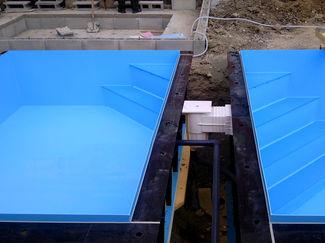 Plasters plastovy bazeny hranat