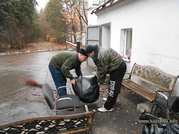 Упаковка собранного мусора