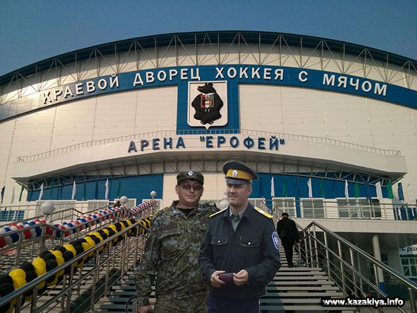сотник Карпенко и старший урядник Мисько на страже правопорядка
