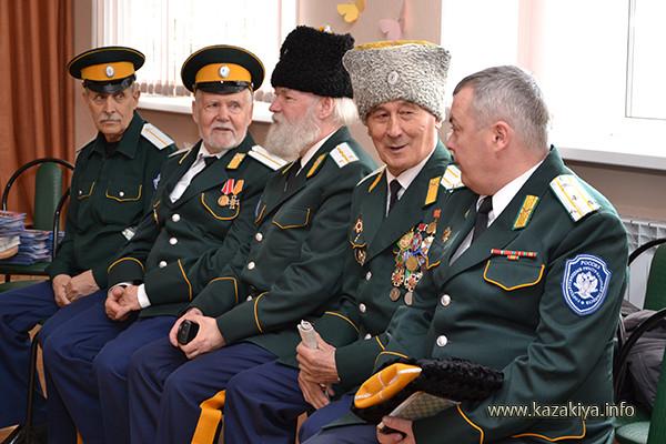 Совет Стариков и начальник Штаба ОКОХК войсковой старшина Смертин Александр Николаевич
