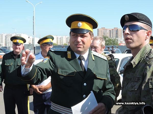 Командир Казачьей дружины подъесаул Владимир Мутов