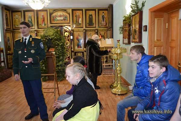 Два парня с Горького заглянули в храм и остались на лекцию