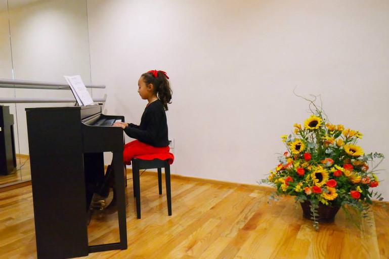 fb-piano1.jpg