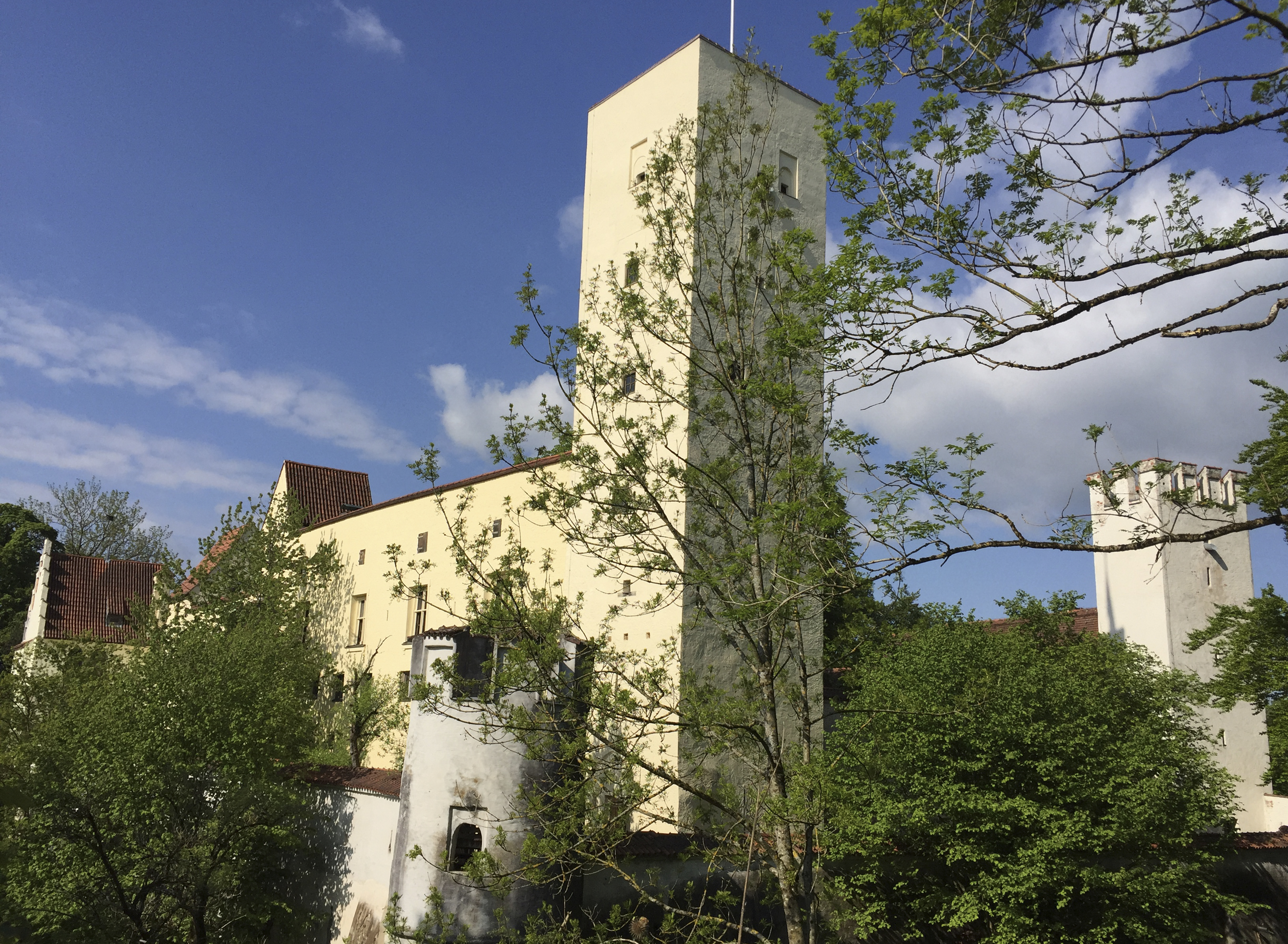 Häuser / Grundstücke