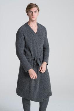 58%Extrafine merino wool 31%Yak 9% Polyamide fiber 2%Elastan.jpg