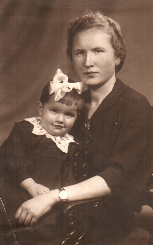 Мы с мамой (мне годик)