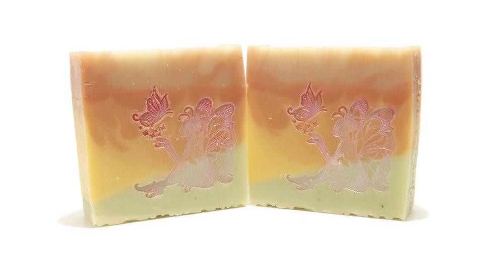 Jetzt im Onlineshop von Salvias Seifen: verwöhnende Hautpflege mit natürlicher Seife aus Kokosöl und Olivenöl.