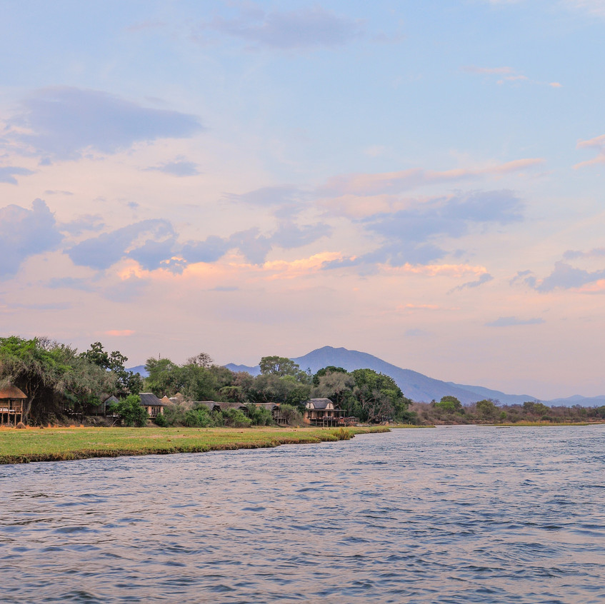 landscape_image_of_the_lodge_from_the_river