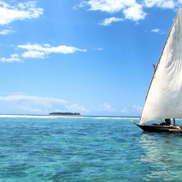 -beach-sailing-boat.jpg